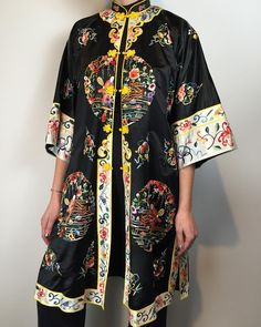 """Vintage embroidered jacket 25% silk """"40""""length, """"42"""" bust, """"14""""sleeve, """"46""""hip $82 click the link in our bio to shop"""