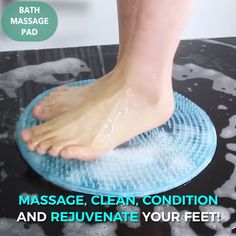 Good circulation is vital to a persons health. Foot massage is one of the different ways to improve foot and leg circulation for a happier and healthier you. Tips Bathroom Bath Massage Pad House Cleaning Tips, Deep Cleaning, Cleaning Hacks, Foot Brush, Circulation Sanguine, Foot Massage, Useful Life Hacks, Tips Belleza, Feet Care