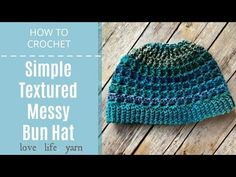 Yep - another messy bun hat! The Simple Textured Messy Bun Hat uses Unforgettable yarn for a beautiful color change and a textured stitch pattern. Free Form Crochet, Easy Crochet Hat, Crochet Round, Crochet Beanie, Crochet Circles, Crochet Ideas, Crochet Hat For Beginners, Crochet Basics, Wedding Hairstyles