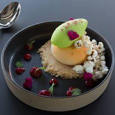 55 mentions J'aime, 3 commentaires – Pedro Miranda (@pedroscmiranda) sur Instagram : «(Progressive flavour changing dessert) Yuzu parfait, Togarashi popcorn, Shiso sorbet, Miracle…»