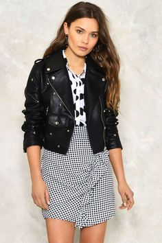 The Interstellar Jacket comes in vegan leather and features a moto design, asymmetric zip closure at front, snaps at collar, zip and snap pockets at front, and star and studded detailing throughout. Studded Leather Jacket, Black Leather, Leather Pants, Kendall Jenner Style, Kylie Jenner, Moto Jacket, Nasty Gal, Passion For Fashion, Vegan Leather