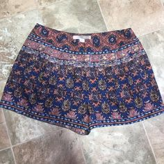 Shorts (F47) Waist 30. Inseam 2. Forever 21 Shorts