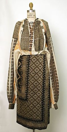 Popular Folk Embroidery Ensemble Date: century Culture: Romanian Medium: wool, cotton by polly Historical Costume, Historical Clothing, Wool And The Gang, Vintage Outfits, Vintage Fashion, Costumes Around The World, Textiles, Lesage, Folk Costume