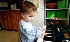 Blind Toddler Plays Mozart and Bach Without Any Piano Lessons