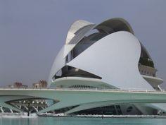Calatrava's grand Palau de les Arts, Valencia, Spain