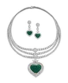 A SET OF EMERALD AND DIAMOND JEWELRY