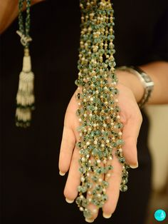 mala by by Royal Jewelry, Emerald Jewelry, Gems Jewelry, Gold Jewellery, Silver Jewelry, Gold Pearl Necklace, Beaded Necklace, Necklaces, Mehndi Images