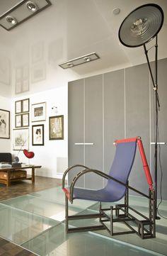 Trendy Wardrobe Designs for Sleek Bedroom Setting: Fantastic Wardrobe Design In Modern Bedroom With Purple Chair And Transparent Floor Made ...