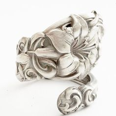 never had heard of spoon rings before but i'd love to get one, or better yet, make one!