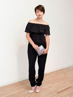 スタイリングの妙で魅せる最旬ブラックコーデ。「デ・プレ」バイヤー、高本千晶さんのお呼ばれスタイルをご紹介。
