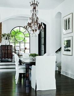 Love the dark wood with the white