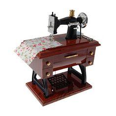 sewing machine music box    (por la que pagué s/. 100 cuando en realidad estaba s/. 35 ¬¬)