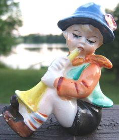 Check out Vintage Bugle Boy Ceramic Figurine JAPAN 1950s  http://www.ebay.com/itm/Vintage-Bugle-Boy-Ceramic-Figurine-JAPAN-1950s-/161758095248?roken=cUgayN&soutkn=xQgs6i via @eBay