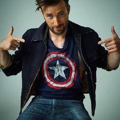 Chris Evans repin Captain America