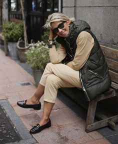 Best Fashion Tips For Women Over 60 - Fashion Trends Mature Fashion, Older Women Fashion, Over 50 Womens Fashion, 50 Fashion, Winter Fashion, Fashion Outfits, Fashion Trends, Mode Chic, Mode Style