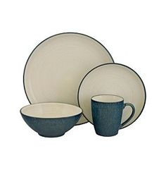 <strong>Web exclusive!</strong> Entertain in style with this lovely dinnerware set.