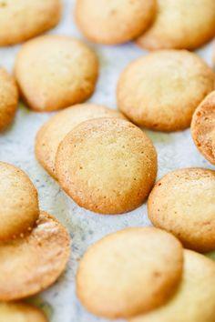Homemade Vanilla Wafers Recipe, Nilla Wafer Recipes, Vanilla Recipes, Sweet Recipes, Baking Recipes, Cookie Recipes, Bar Recipes, Dessert Recipes, Vanilla Cookie Recipe