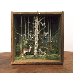diorama ideas Throwback to this little creature conference. One of two pieces in Enough To Swear By, an exhibition of miniature art at Transylvania Shadow Box Kunst, Shadow Box Art, Arte Assemblage, Arte Pop Up, Paper Art, Paper Crafts, Nature Crafts, Art Plastique, Sculptures