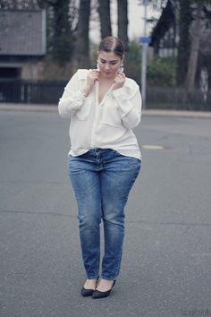 04.04.13 - wearing: H+M blouse, s.Oliver Denim jeans, Zara heels, Swarovski earrings, Michael Kors watch, Pandora bracelet and Spinning Jewelry ring