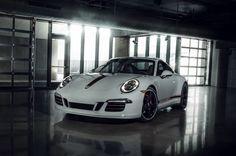 Porsche 911 GTS Rennsport Reunion Edition, la sportive racée par excellence - http://www.leshommesmodernes.com/porsche-911-gts-rennsport-reunion-edition/