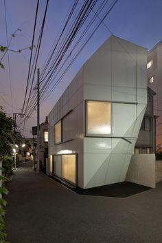 Vista nocturna. Casa A' por Wiel Arets Architects. Fotografía © Jan Bitter. Señala encima de la imagen para verla más grande.