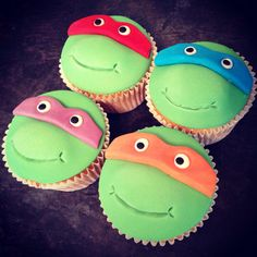 "Teenage Mutant Ninja Turtles cupcakes - for Brayson's ""day-of"" party Turtle Birthday Parties, Ninja Turtle Birthday, Ninja Turtle Party, 5th Birthday, Birthday Ideas, Ninja Cake, Tmnt Cake, Lego Cake, Cake Minecraft"