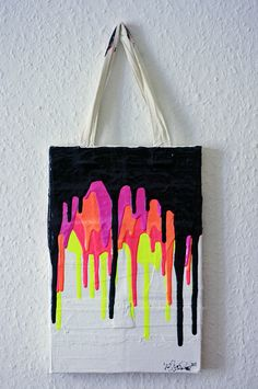 Bang! - 20x30cm - shopping bags, acrylic on canvas, 2011 (Artist: Jens Stoewhase)