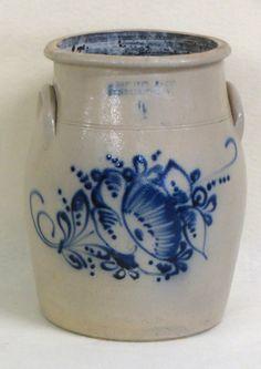Stoneware crock - 4 gallon decorated with a large blue : Lot 187 Antique Stoneware, Stoneware Crocks, Antique Pottery, Blue Pottery, Stoneware Clay, Pottery Art, Wooden Snowmen, Primitive Snowmen, Primitive Crafts