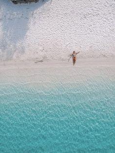 Drone shot of Lake McKenzie on Fraser Island, Australia Sand Island, Island Beach, Visit Australia, Australia Travel, Fraser Island Australia, Scuba Diving Australia, Kakadu National Park, Australian Beach, Beach Holiday