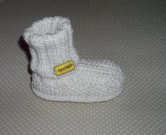 Knitting For Kids, Knitting Socks, Baby Boots, Baby Cardigan, Knitting Patterns, Knit Crochet, Beanie, Handmade, Baby Outfits