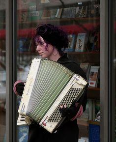 http://WhoLovesYou.ME   #streetperformer One of many street musicians #streetperformer #busker