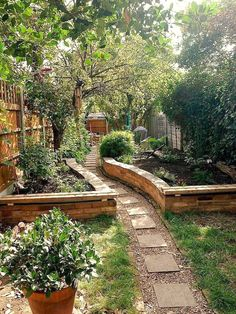 Small garden landscaping ideas on a . Small Garden Landscaping Ideas on a Budget 31 Back Gardens, Outdoor Gardens, Plants For Small Gardens, Raised Gardens, House Gardens, Amazing Gardens, Beautiful Gardens, Beautiful Pools, Ideas Para Decorar Jardines