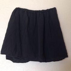 brandy melville black skirt elastic waistband. one size fits all. super cute and super versatile! Brandy Melville Skirts