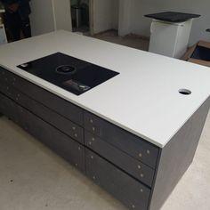 Aspen De Lusso- Dunstable, Bedfordshire - Rock and Co Granite Ltd White Quartz, Glitz And Glam, Aspen, Light In The Dark, Granite, Home Decor, Decoration Home, Room Decor, Interior Design