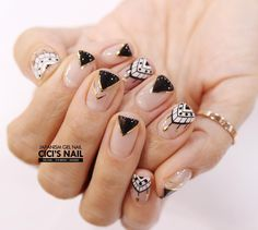 Geometric nailart