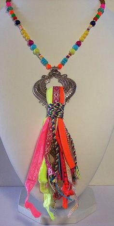 Mode en accesoires uit Ibiza, Boho armbanden, sjaals, poncho's, Boho kettingen…