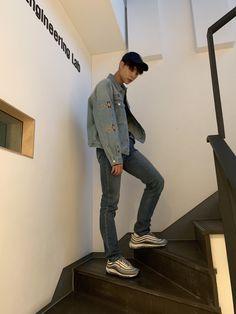 Johnny serving bf looks Taeyong, Nct Johnny, Kai Exo, Fandoms, Valentines For Boys, Jaehyun Nct, Entertainment, Winwin, Boyfriend Material