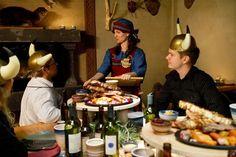 Viikinkiravintola Haraldin viikinkikaste. Kasteen suorittaneista poikasista tulee miehiä ja miehistä viikinkejä. Naisille kasteen suorittaminen on merkki määräysvallasta perheen sisällä. Kasteessa kokelas syö palan HAPANHAITA ja huuhtelee koettelemuksen alas vainojuomalla. www.ravintolaharald.fi Vikings, Restaurant, The Vikings, Diner Restaurant, Restaurants, Dining, Viking Warrior