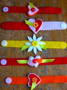 Valentine Wrist-lets (felt bracelets) kid friendly craft -- Great intro to hand stitching for Activity Day girls! Valentines Day Activities, Valentine Day Crafts, Holiday Crafts, Kids Valentines, Crafts For Girls, Crafts To Make, Diy Crafts, Party Crafts, Operation Christmas Child