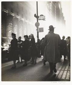 NYC. Early Morning Rush, 1947.  // by Rebecca Lepkoff