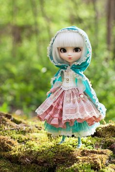 Little Teal Riding Hood [PUDDLE 2015 - Fairy Tales] by Squishdellia on Flickr.