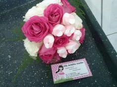 Buque de dama com flores e marshimellow