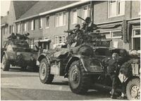 Liberation Eindhoven, 18th September 1944, depicting vanguard units of Gen. Horrocks XXX-Corps and the 506th Regiment, 101st Airborne Division.