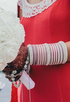 Love these Chura Wedding Lenghas, Sikh Wedding, Punjabi Wedding, Wedding Chura, Bridal Bangles, Wedding Jewelry, Bridal Chura, Wedding Henna, Wedding Rituals