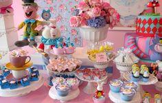 Alice no País das Maravilhas - Fonte: Festa Provençal