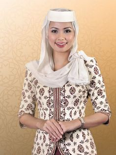Royal Brunei Airlines flight attendant On Royal Brunei Airlines, Stewardess Costume, Airline Cabin Crew, Airline Uniforms, International Airlines, Intelligent Women, Airline Flights, Flight Attendant, Airline Attendant