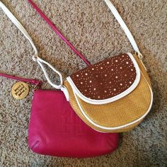 Francesca's tweed crossbody purse Tan, brown and white tweed cross body from Francesca's. Worn out only once or twice maybe! Comment with questions or offers! Francesca's Collections Accessories
