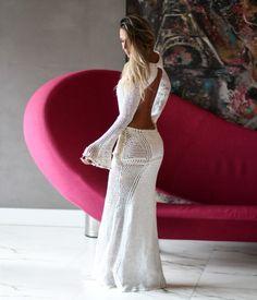 vestidos-longo-de-croche-com-manga-longa-e-costa-nua