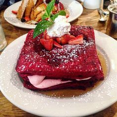 Redvelvet pancakes with strawberry mascarpone (Visited 2 times, 1 visits today)