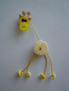 Giraffa GialloBianco spilla.ciondolo di Foresta Mentale Chiaresca su DaWanda.com